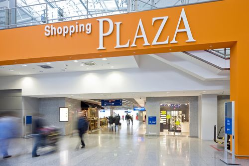 Frankfurt Airport: Shopping Plaza in Terminal 2 (PRNewsFoto/Fraport AG)