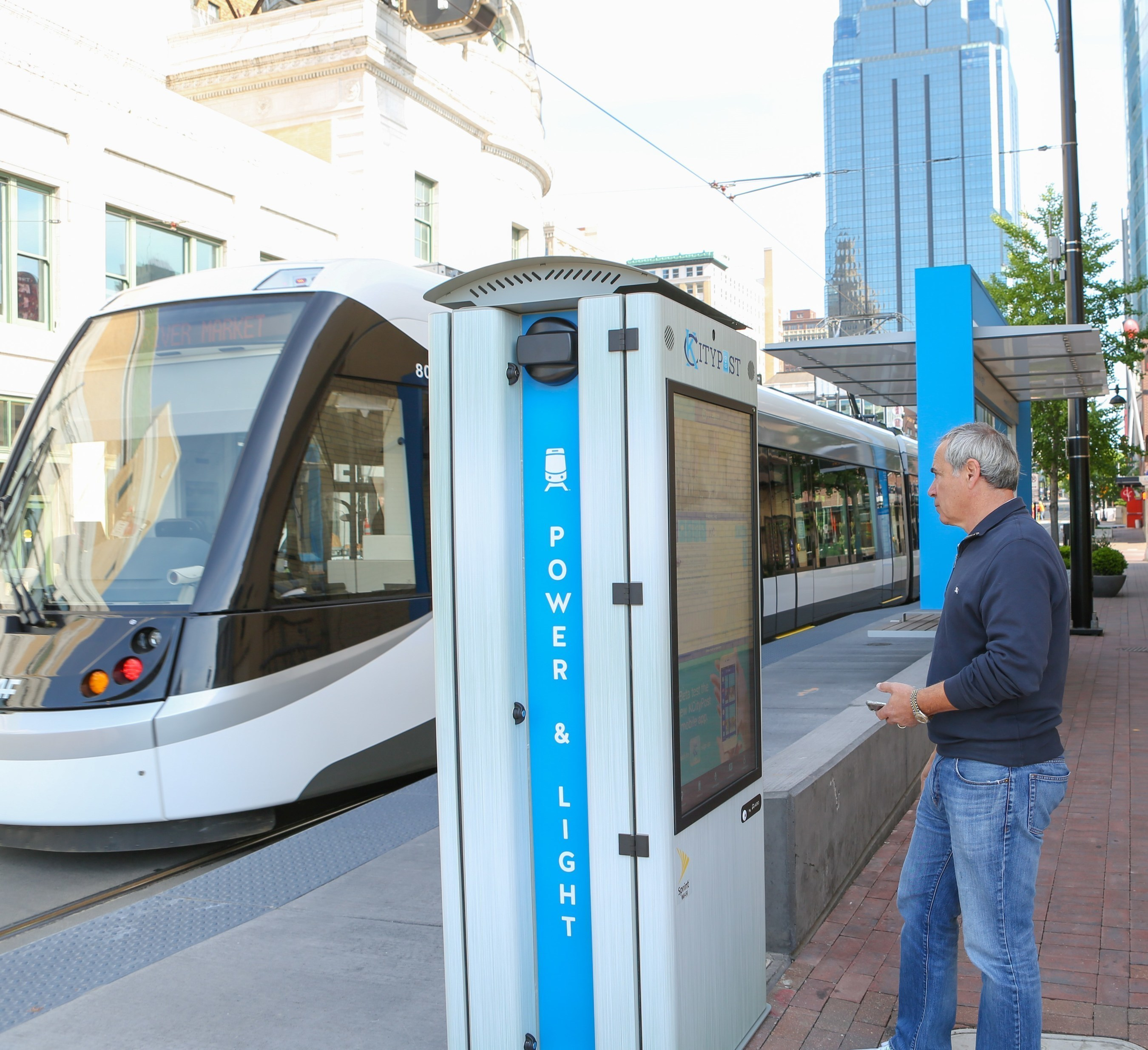 """Kansas City's """"Smart City"""" rollout includes free outdoor public Wi-Fi downtown, 125 """"smart"""" streetlights and 25 interactive kiosks to engage citizens - along a new two-mile stretch of the KC Streetcar line. http://kcmo.gov/smartcity/ Photo Credit: Kansas City Area Development Council"""