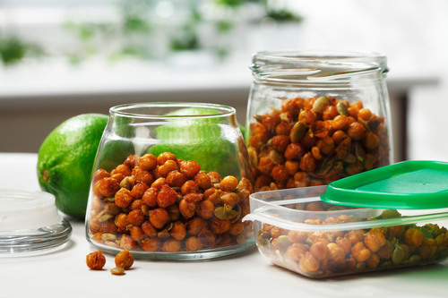 Crispy Chickpeas and Pumpkin Seeds with Lime: Fuel your next exercise bout or begin your post-exercise recovery with this tasty, healthy snack that is rich in fiber and a good source of protein. Canola oil's neutral taste lets the lively flavors of smoked paprika and lime step to the fore. This crunchy snack is great tossed into green salads or soups, too. (PRNewsFoto/CanolaInfo) (PRNewsFoto/CANOLAINFO)
