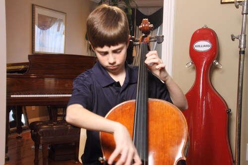 "Charlie Zandieh, cellist, stars in Ovation's ""Young Marvels"" premiering Wednesday, July 16. (PRNewsFoto/Ovation)"