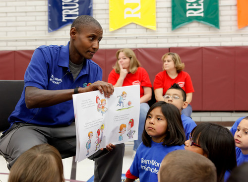 BBVA Compass and WNBA Cares bring books, basketball and fitness to Mesa elementary school