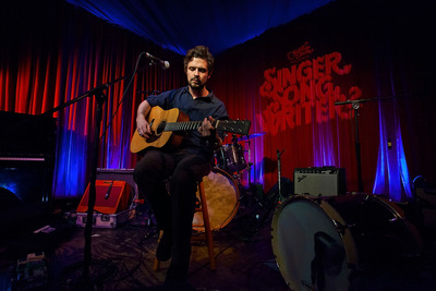 Jeff Campbell Wins Guitar Center's Second Annual Singer-Songwriter Artist Discovery Program.  (PRNewsFoto/Guitar Center)