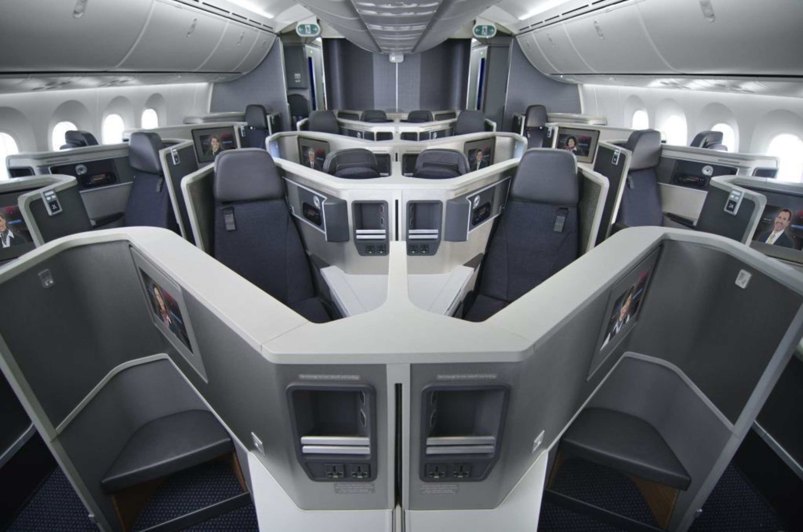 AMERICAN AIRLINES 787 BUSINESS CLASS