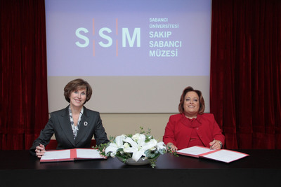 Kathleen Taylor, president and CEO, Four Seasons Hotels and Resorts and Dilek Sabanci, Chairman of Dilek Gayrimenkul Yatyrym ve Turizm sign formal agreement announcing plans for Four Seasons Resort Cesme, located on the coast of Turkey's Izmir province, expected to open in 2016.  (PRNewsFoto/Four Seasons Hotels and Resorts)