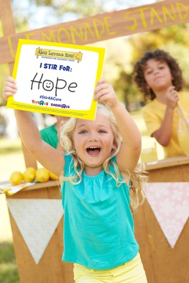 "Toys""R""Us(R) Encourages Customers To #Stir4ACure During Its 2014 Campaign To Benefit Alex's Lemonade Stand Foundation (PRNewsFoto/Toys""R""Us, Inc.)"