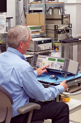 The Fluke Calibration 7526A Precision Process Calibrator combines versatility, precision, and value into a single benchtop process calibrator.  (PRNewsFoto/Fluke Calibration)