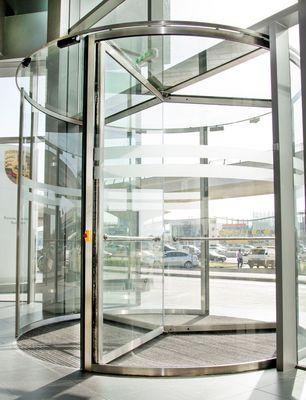 Top-Class Door Automation With GEZE Door Systems in Dubai's Recently Inaugurated Porsche Center (PRNewsFoto/GEZE GmbH)