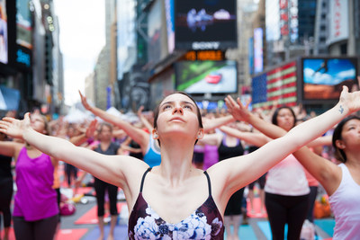 Solstice in Times Square: Mind Over Madness - Yoga 2016 Photo by Amy Hart for the Times Square Alliance