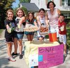The Bauer Family lemonade stand (PRNewsFoto/LUNGevity Foundation)