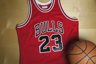 1985-86 MICHAEL JORDAN 63-POINT PLAYOFF GAME ROAD AUTHENTIC JERSEY