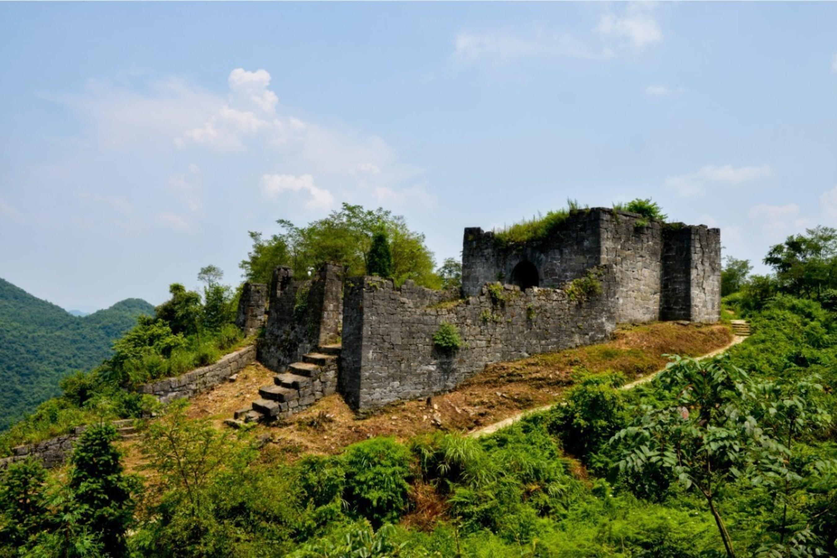 La forteresse de Hailongtun en passe de devenir l'une des meilleures destinations touristiques de