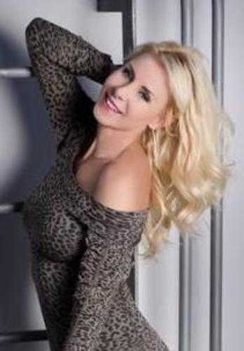 Jessica Williams (PRNewsFoto/InsideOut Wellness and Weight...)