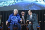 Malaysia's Prime Minister Najib (on the left) and Country Garden Group's Board Chairman Yang Guoqiang (on the right)