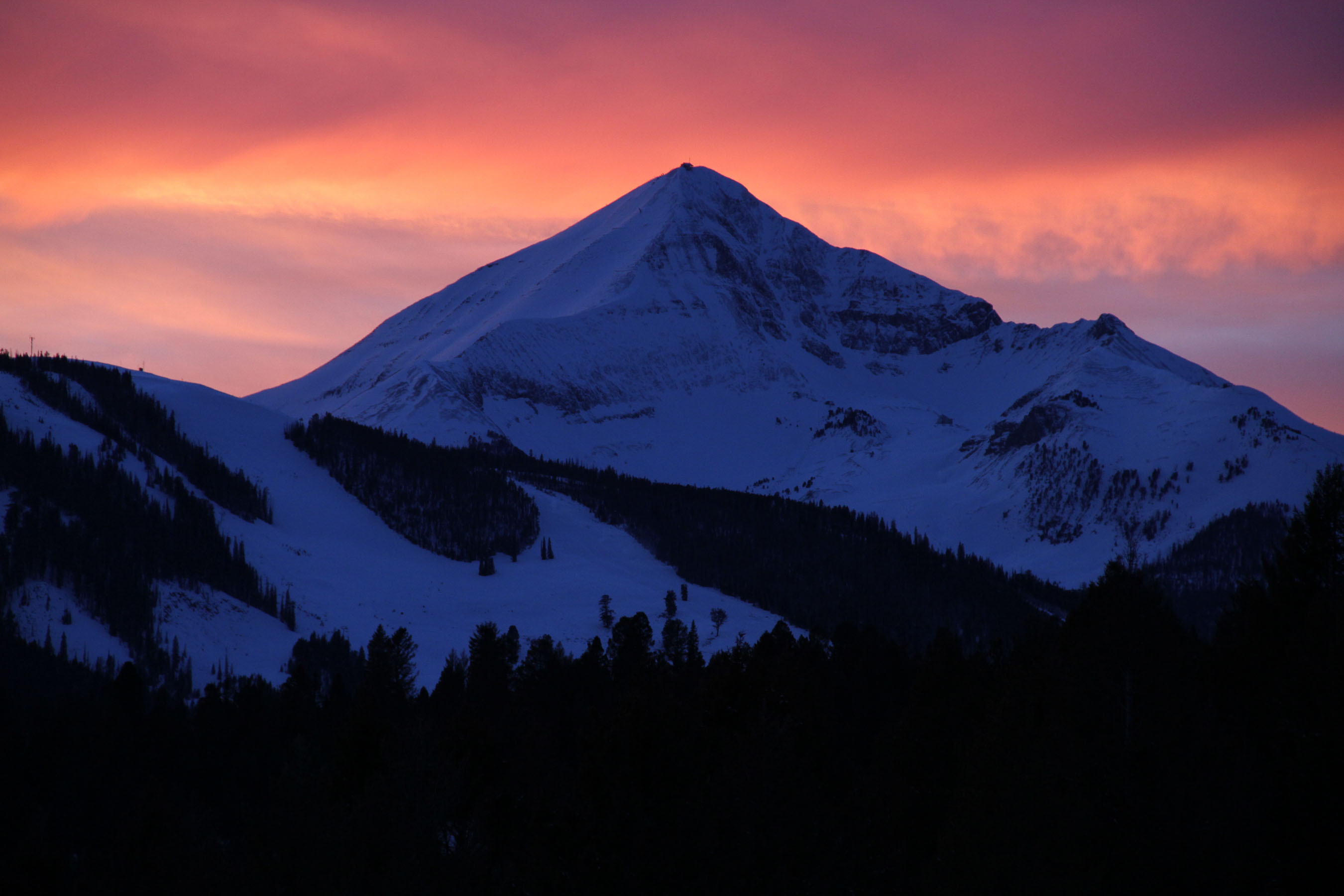 Big Sky's Lone Peak dominates the landscape of this up and coming community in the Mountain Resort Tourism Industry. (PRNewsFoto/Montana Living ~ Big Sky Real Estate) (PRNewsFoto/MONTANA LIVING _ BIG SKY)