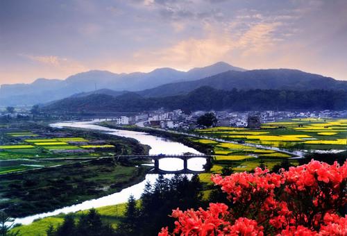 The Most Beautiful County in China - Wuyuan - http://www.wylyw.cn/.  (PRNewsFoto/Jiangxi Wuyuan Tourism Co., Ltd)