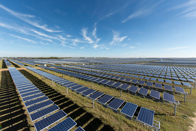 OCI Solar Power's 41 MW Alamo I Solar Farm, Bexar County, Texas.  (PRNewsFoto/OCI Solar Power)