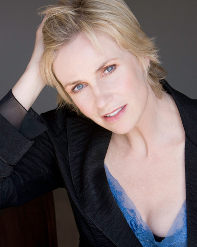 THE FRAGRANCE FOUNDATION JANE LYNCH