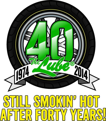 Quaker Steak & Lube (R) Celebrating 40 Smokin' Hot Years (PRNewsFoto/Quaker Steak & Lube)