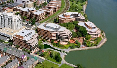 Investcorp, a leading provider and manager of alternative investment products, announced today that its U.S. based real estate arm, in partnership with American Real Estate Partners, has acquired the Canal Center, a 540,000 square foot Class A office complex located on the banks of the Potomac River in Alexandria, VA, minutes from downtown Washington, DC.