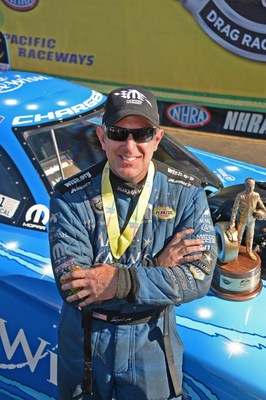 Tommy Johnson Jr. drives 2015 Mopar Dodge Charger R/T to NHRA Northwest Nationals win near Seattle