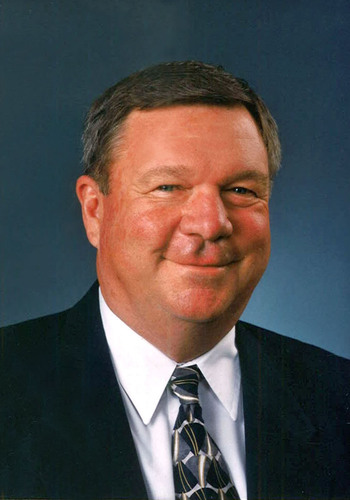 Cooperative leader Steve Burnet, Oregon farmer and former CHS Inc., chairman, dies at age 72.  (PRNewsFoto/CHS Inc.)