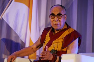 Dalai Lama in Rotterdam (PRNewsFoto/Eosta)