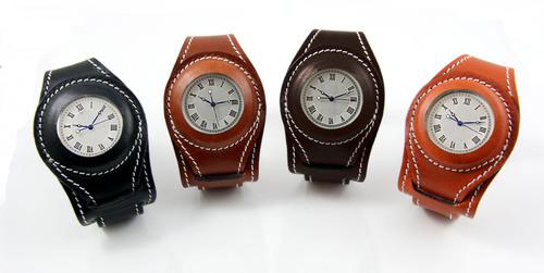 Wristlet Watches. (PRNewsFoto/Waves Design Studio) (PRNewsFoto/WAVES DESIGN STUDIO)