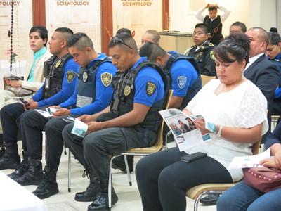 Los cienciologos mexicanos abrieron las puertas de su mega-iglesia, ubicada en el centro de la Ciudad de Mexico, lugar en el que tanto miembros de la comunidad como lideres de diferentes sectores sociales, se reunieron para discutir la problematica actual de salud relacionada al consumo de las drogas.