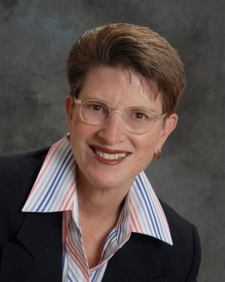 "Andrea Simon, Ph.D., is launching a new webinar series called, ""Healthcare Innovation: Trends from the Trenches"" to help healthcare professionals to navigate all of the changes occurring in that industry. Simon and her colleague, Kriss Barlow, two healthcare industry experts who guide institutions in managing change for positive outcomes, will co-host the first seminar on Oct. 17 at 1 p.m. ET. To register, go to www.simonassociates.net.  (PRNewsFoto/Casto Consulting)"