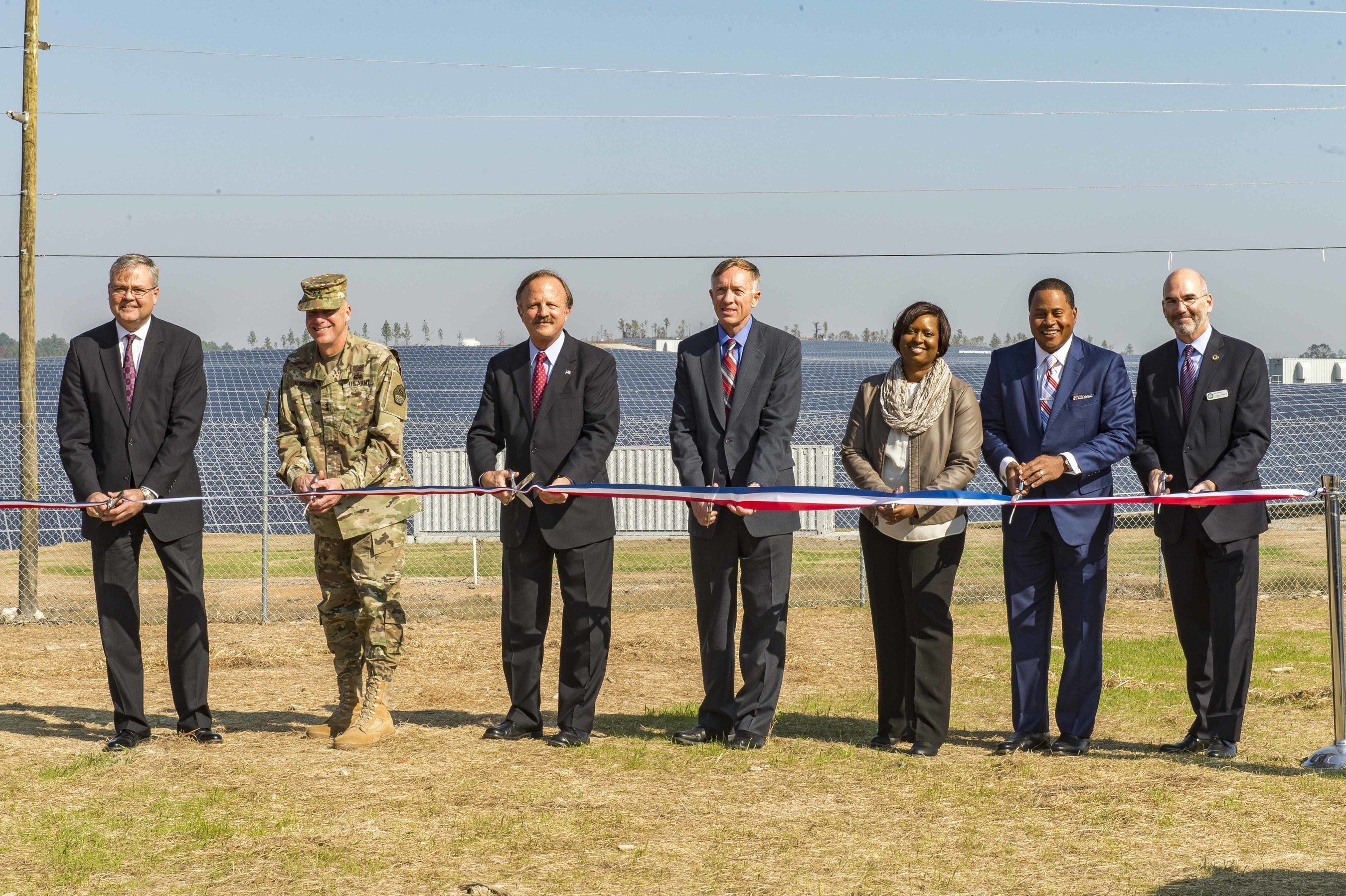Leaders from Georgia Power and the U.S. Army joined elected officials, community leaders and other dignitaries at Fort Gordon near Augusta, Ga. on Nov. 16, 2016 to dedicate a new 30 megawatt (MW) on-base solar facility. The project is the third completed by Georgia Power in collaboration with the military, joining similar on-base solar facilities recently unveiled with the U.S. Army at Fort Benning and the Department of the Navy (DON) at Naval Submarine Base (SUBASE) Kings Bay.