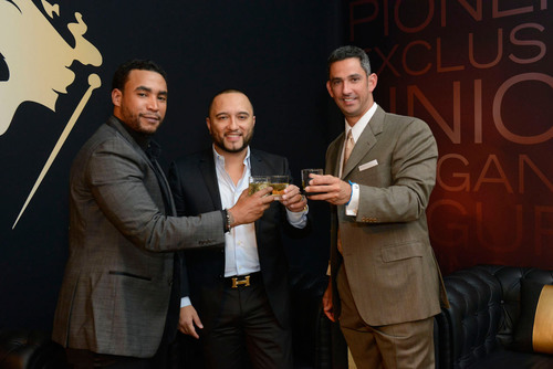Don Omar, Alex Sensation and Jorge Posada toast to Johnnie Walker's My Label is Black campaign. / Don Omar, Alex Sensation y Jorge Posada brindan por la campana  de Johnnie Walker My Label is Black.  (PRNewsFoto/Johnnie Walker)