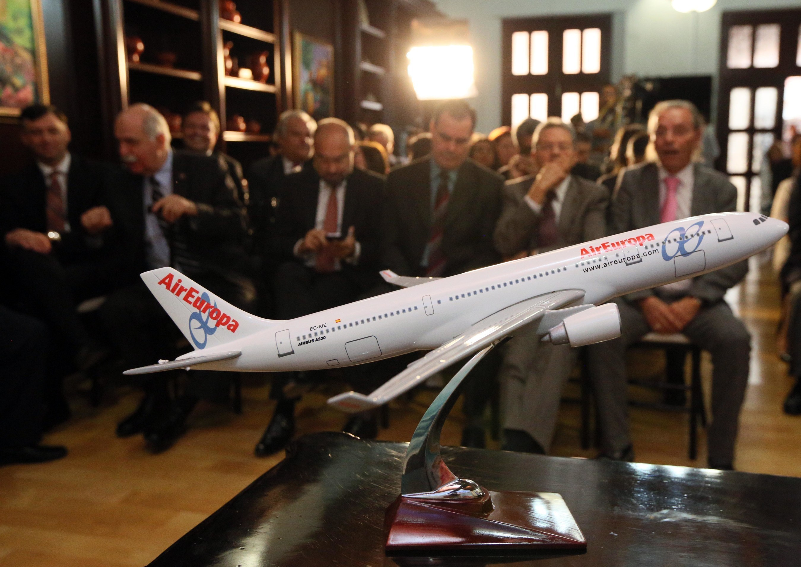 Hondurans welcome new Air Europa flights.