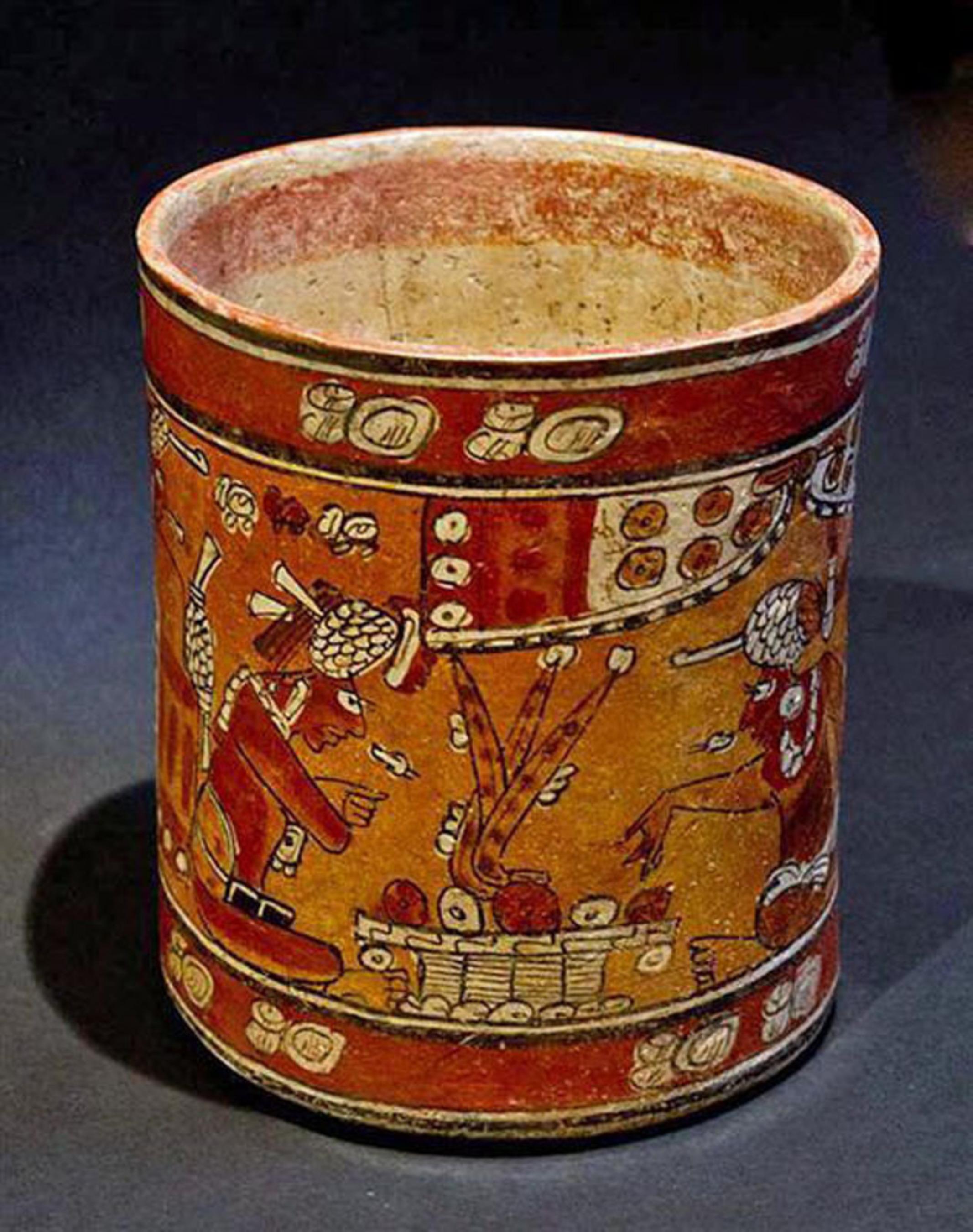 A Mayan Polychrome Cylinder - Kerr Rollout 8277, Mexico, Ca.600 - 900 AD. Estimate $15,000 -$20,000.  (PRNewsFoto/Antiquities-Saleroom)