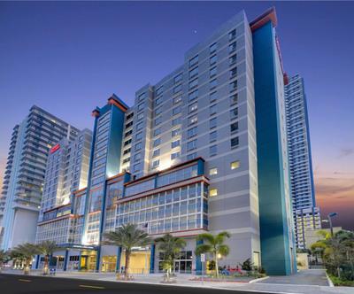 Hampton Inn & Suites Miami Brickell Downtown - LEED Certified.  (PRNewsFoto/Hampton Inn & Suites Miami Brickell-Downtown)