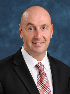 Geoff Robinson is appointed Vice President of Mercedes-Benz Financial Services effective May 1, 2015.