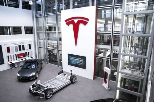 Zuid_Oost Inside (PRNewsFoto/Tesla Motors Inc)