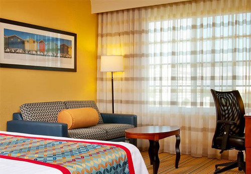 The Courtyard Fort Lauderdale Airport & Cruise Port provides a convenient location to sneak away with some extra perks as incentive. Escape to Fort Lauderdale, Florida, with the Courtyard Fort Lauderdale Airport & Cruise Port Couples Getaway Package. ...
