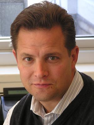 Weber Shandwick's Frank Okunak has been promoted to Chief Operating Officer.  (PRNewsFoto/Weber Shandwick)