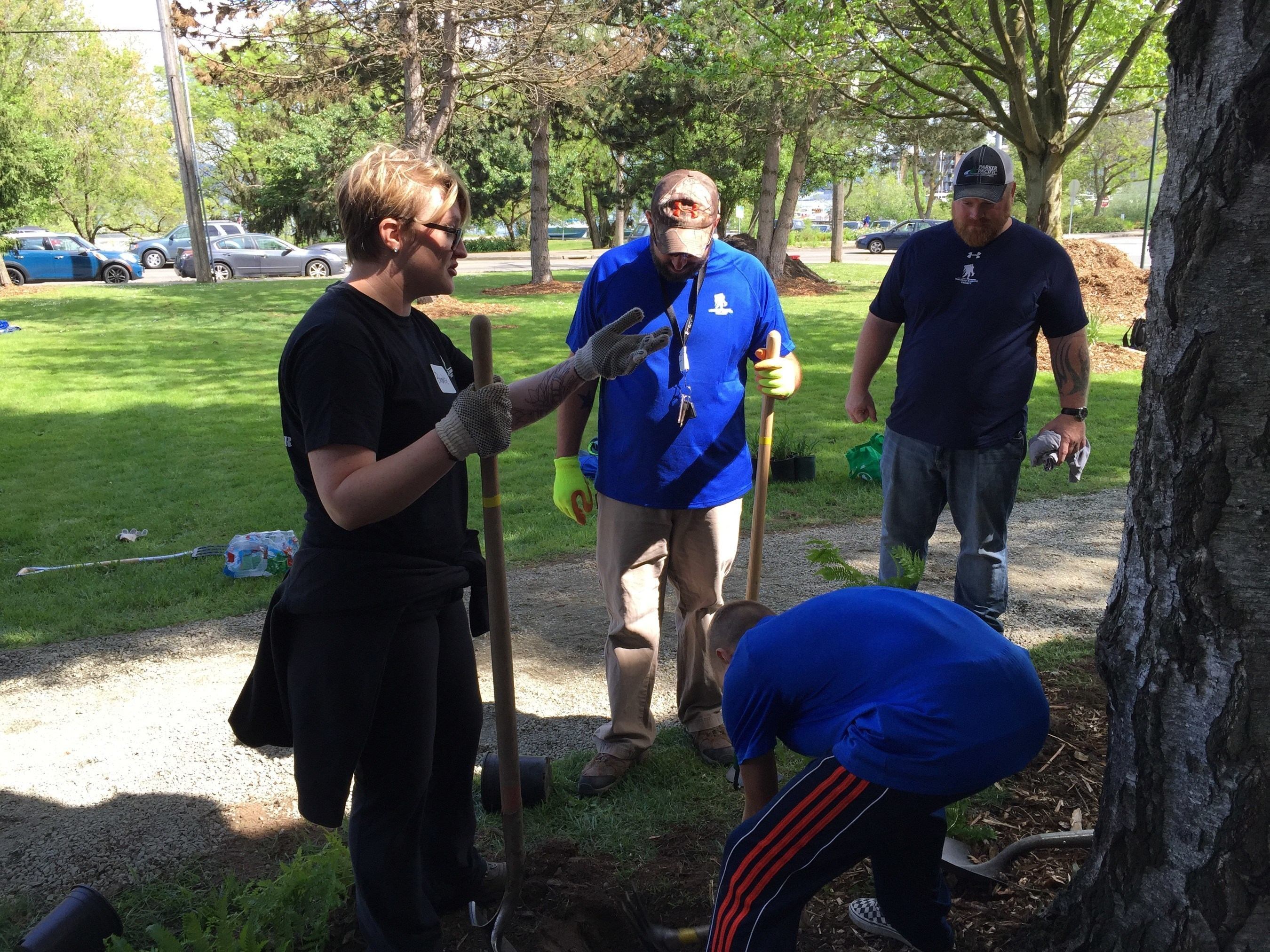 Wounded Warrior Project and The Mission Continues joined forces for a volunteer service project at Rainier High School in Seattle.
