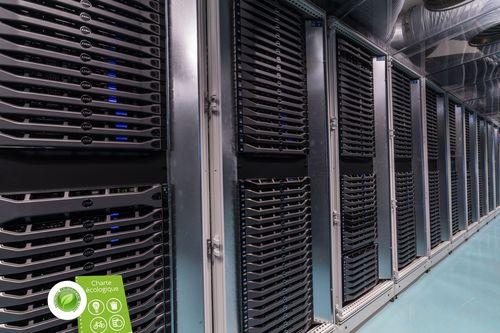 Une nouvelle generation de datacenter ecologique recompensee par le Prix du developpement durable (PRNewsFoto/Infomaniak)
