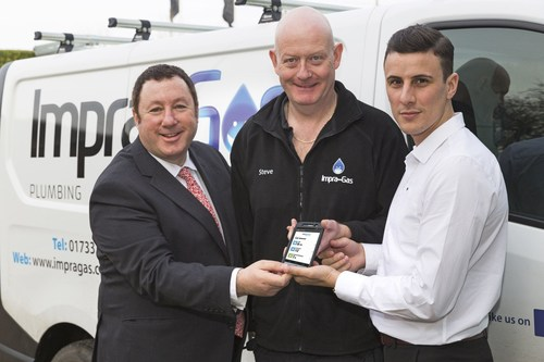 The Apprentice Winner 2015, Joseph Valente, adopts BigChange technology to spring board growth. From left to right Martin Port - CEO, BigChange Apps, Stephan Lee - Senior Gas Engineer, Impra-Gas and Joseph Valente - Managing Director, Impra-Gas (PRNewsFoto/BigChange Apps) (PRNewsFoto/BigChange Apps)