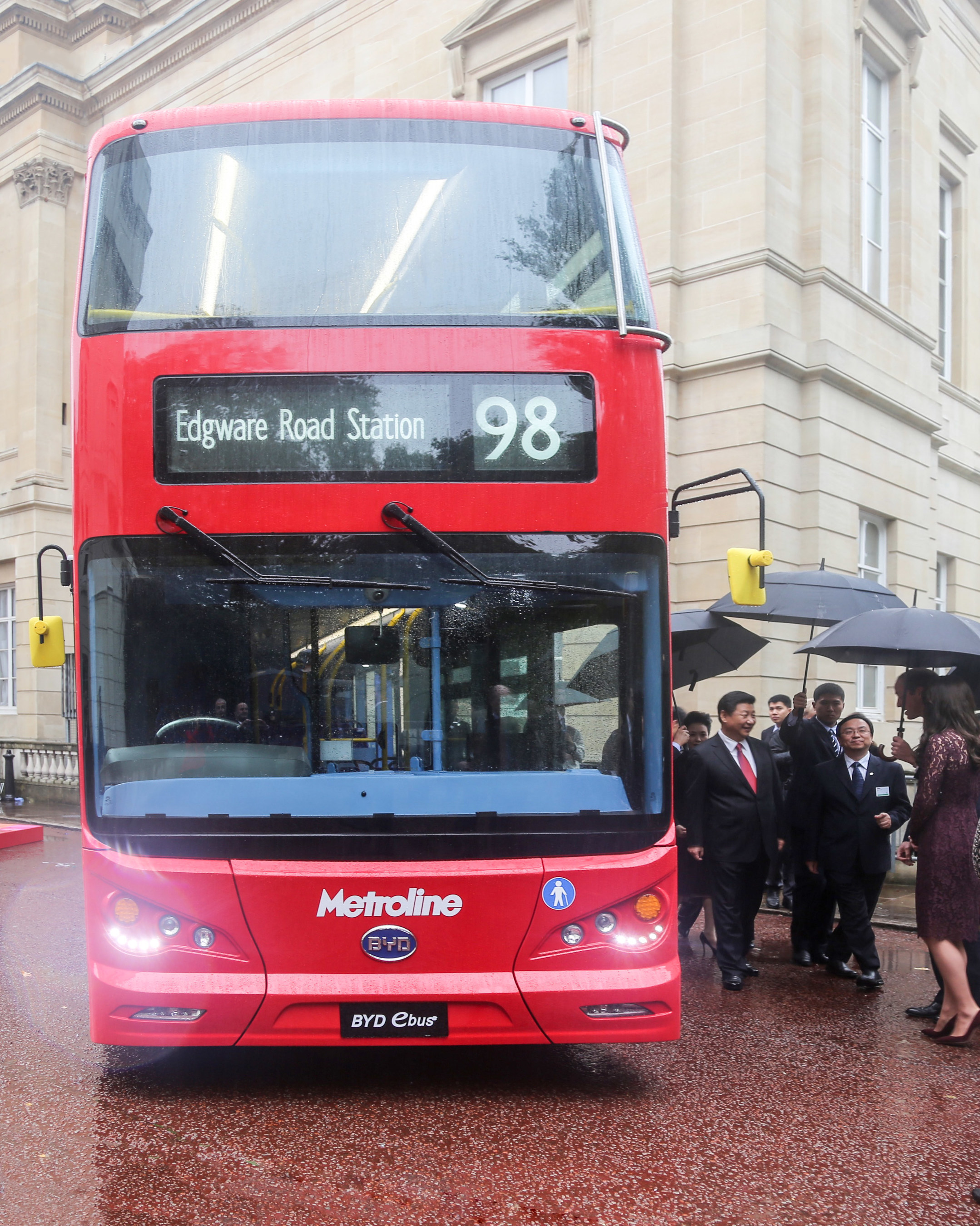 Duke and Duchess of Cambridge and China's President Xi Visit London's ZERO-Emissions, Double-Decker Rapid Transit Bus