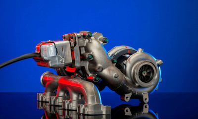 BorgWarner's R2S(R) turbocharging technology helps increase fuel economy, reduce emissions and improve performance for new medium-duty engines. (PRNewsFoto/BorgWarner Inc.) (PRNewsFoto/BORGWARNER INC.)