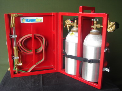 MagneGas Launches Innovative MagneTote(TM) Product Line (PRNewsFoto/MagneGas Corporation)