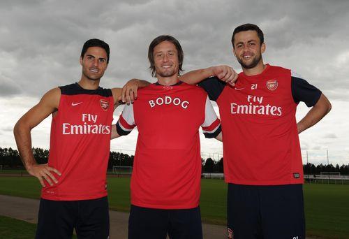 Bodog signs deal with Arsenal (PRNewsFoto/Bodog)