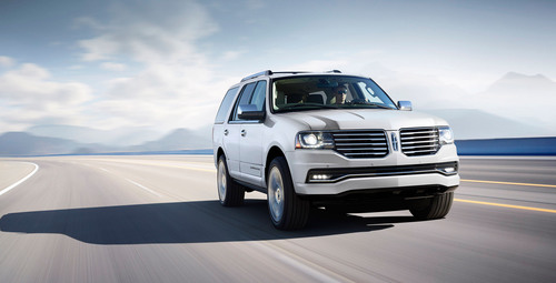 The 2015 Lincoln Navigator with enhancements to its design and powertrain will be in showrooms later this year. (PRNewsFoto/Lincoln Motor Company) (PRNewsFoto/LINCOLN MOTOR COMPANY)