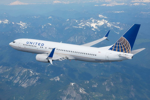 United Airlines 737-800 with Split Scimitar Winglets during July 2013 Certification Flight Testing.  (PRNewsFoto/Aviation Partners Boeing)