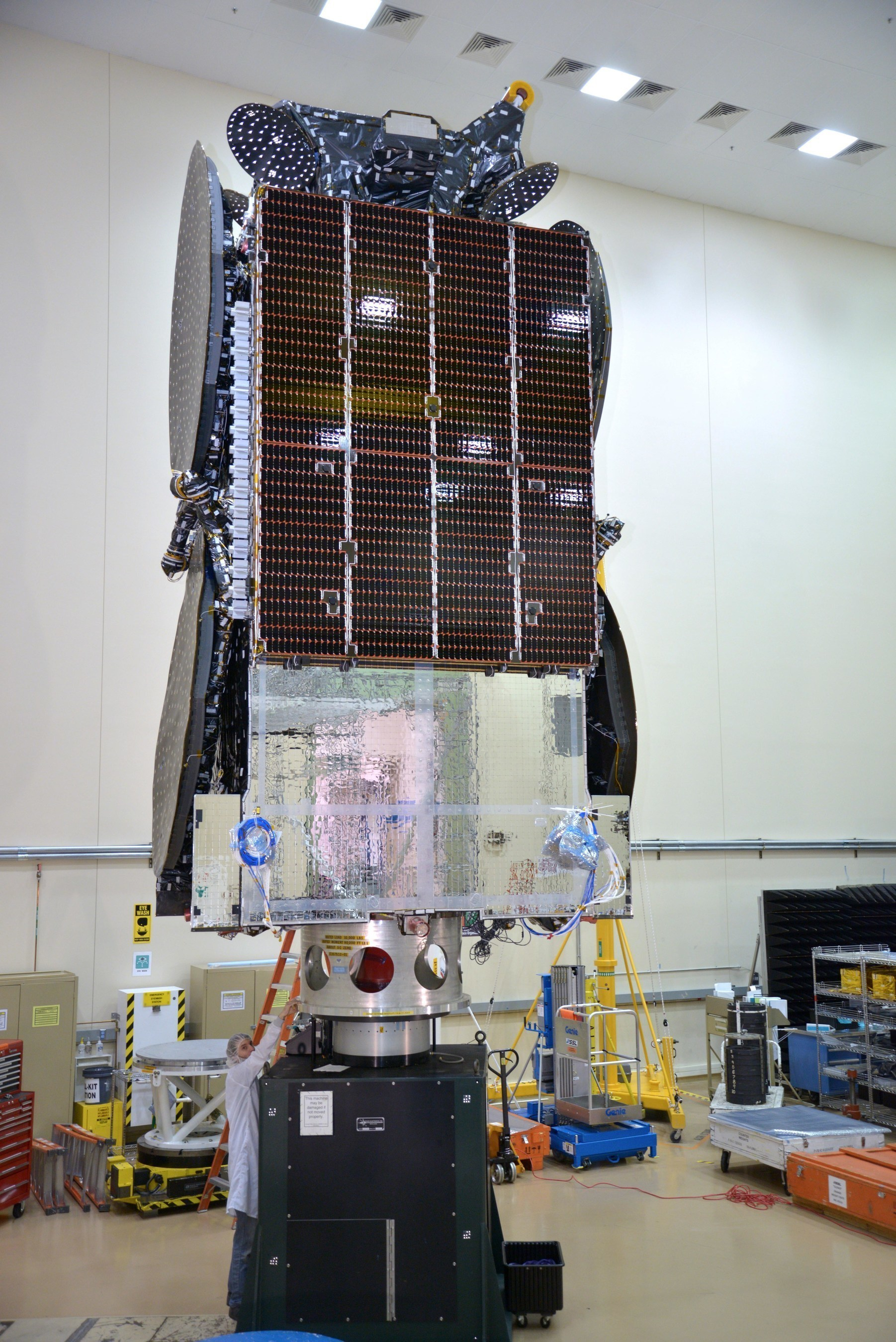 SSL delivers satellite for Embratel Star One to launch base in Kourou