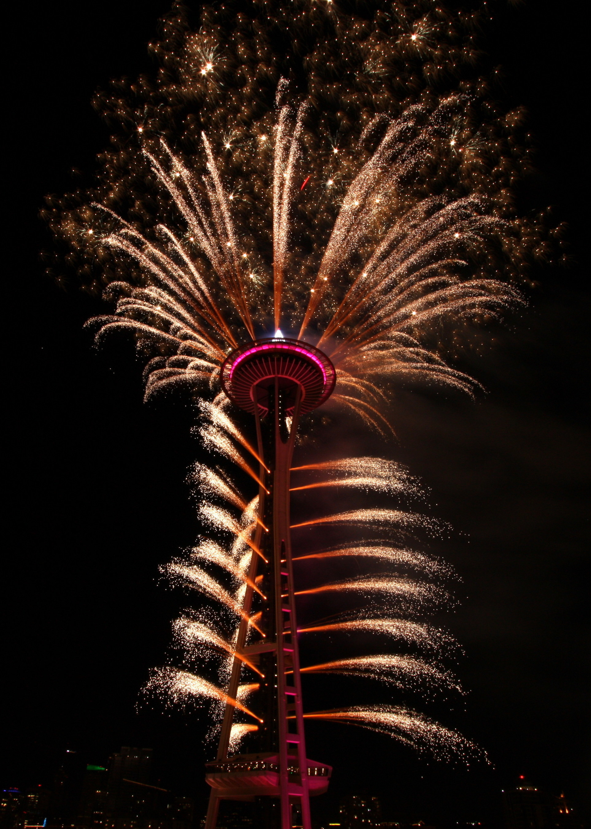 T-Mobile New Year's at the Needle to Light up the Seattle Sky with Even More Rockin' Fireworks to Welcome 2017