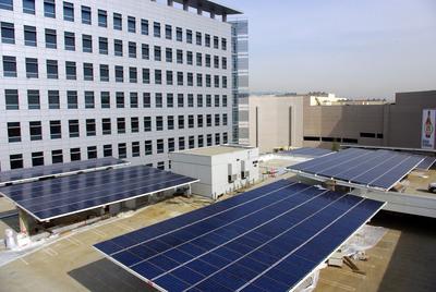 Stellar Solar Cedars Sinai Advanced Health Sciences Pavilion installation.  (PRNewsFoto/Stellar Solar)